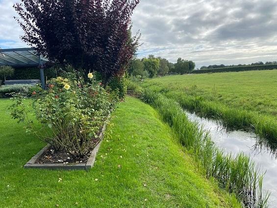 oude situatie elusie tuinontwerp waterkant